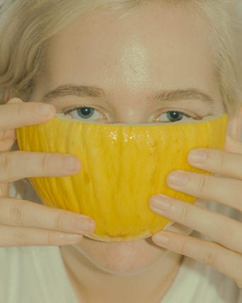 Portrait: Steffi with a canary melon